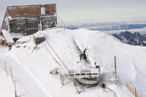Cable car track rope rigging, Alpe d'Huez 3330m (France)